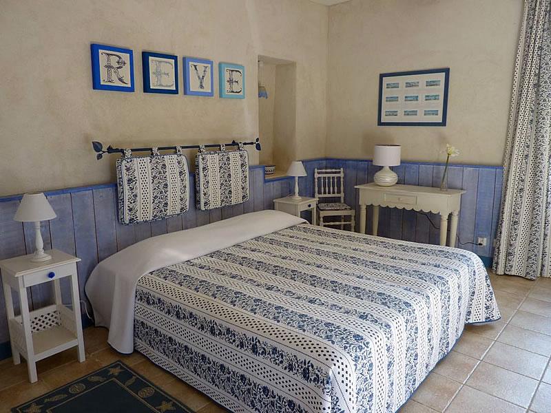 chambres d 39 h tes la malle poste en luberon. Black Bedroom Furniture Sets. Home Design Ideas