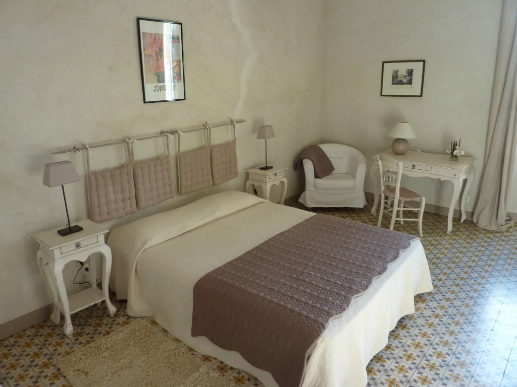 gite et chambres d 39 h tes de charme en luberon la malle poste. Black Bedroom Furniture Sets. Home Design Ideas